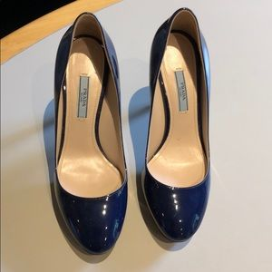🍎 Prada Blue Heels size 7 excellent condition